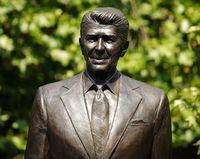 Reagan-statue-london