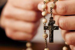 Rosary-hands-praying