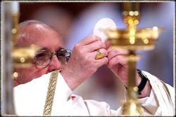 Pope-francis-eucharist